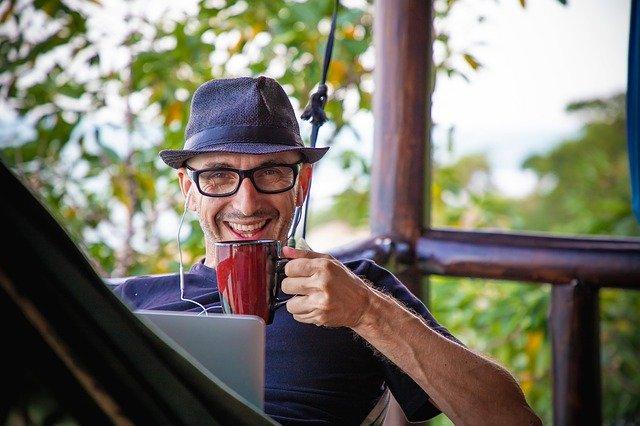 Affiliate marketing voor een passief online inkomen. Relaxed werken vanuit je eigen huis.